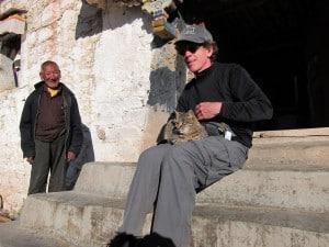 2011 Steve w/ cat, Yarlung / Sheldrake cave, Tibet