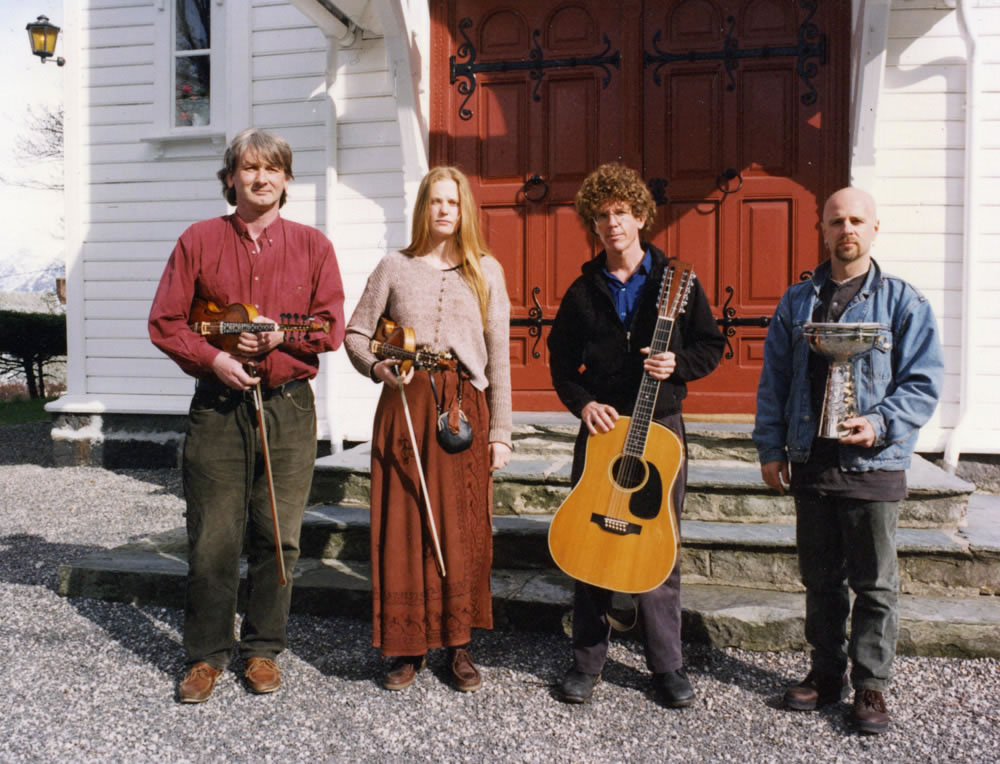 1997, with Knut, Turid, Steve Tibbetts and Marc Anderson, near Granvin, Norway